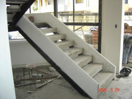 Bordillos prefabricados hormypol catalogo construccion for Construccion de escaleras de concreto armado