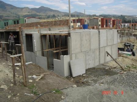 Construcci n de viviendas economicas hormypol productos Construccion de piscinas economicas